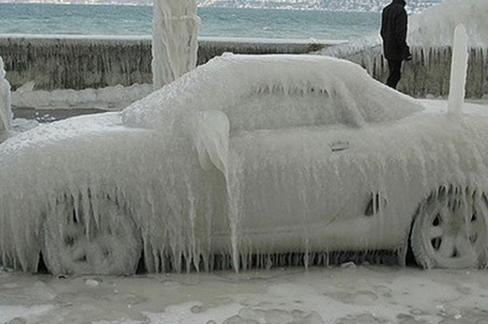 Taking care of your luxury car during cold weathers